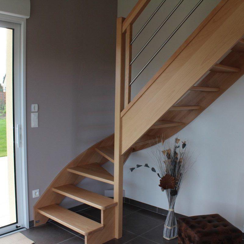 Montez vous reposer à l'étage par l'escalier de bois