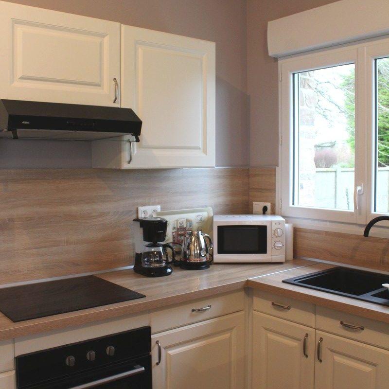 Cuisinez en toute facilité grâce à l'équipement moderne de la cuisine ouverte